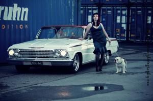 Kati ja Chevy Impala 1962