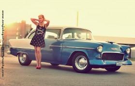 Tiia ja Chevrolet Bel Air