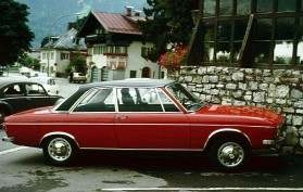 Audi 100 C1 Retro